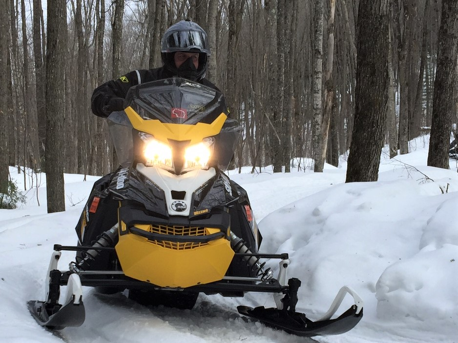 Snowmobile-2-single-rider-1